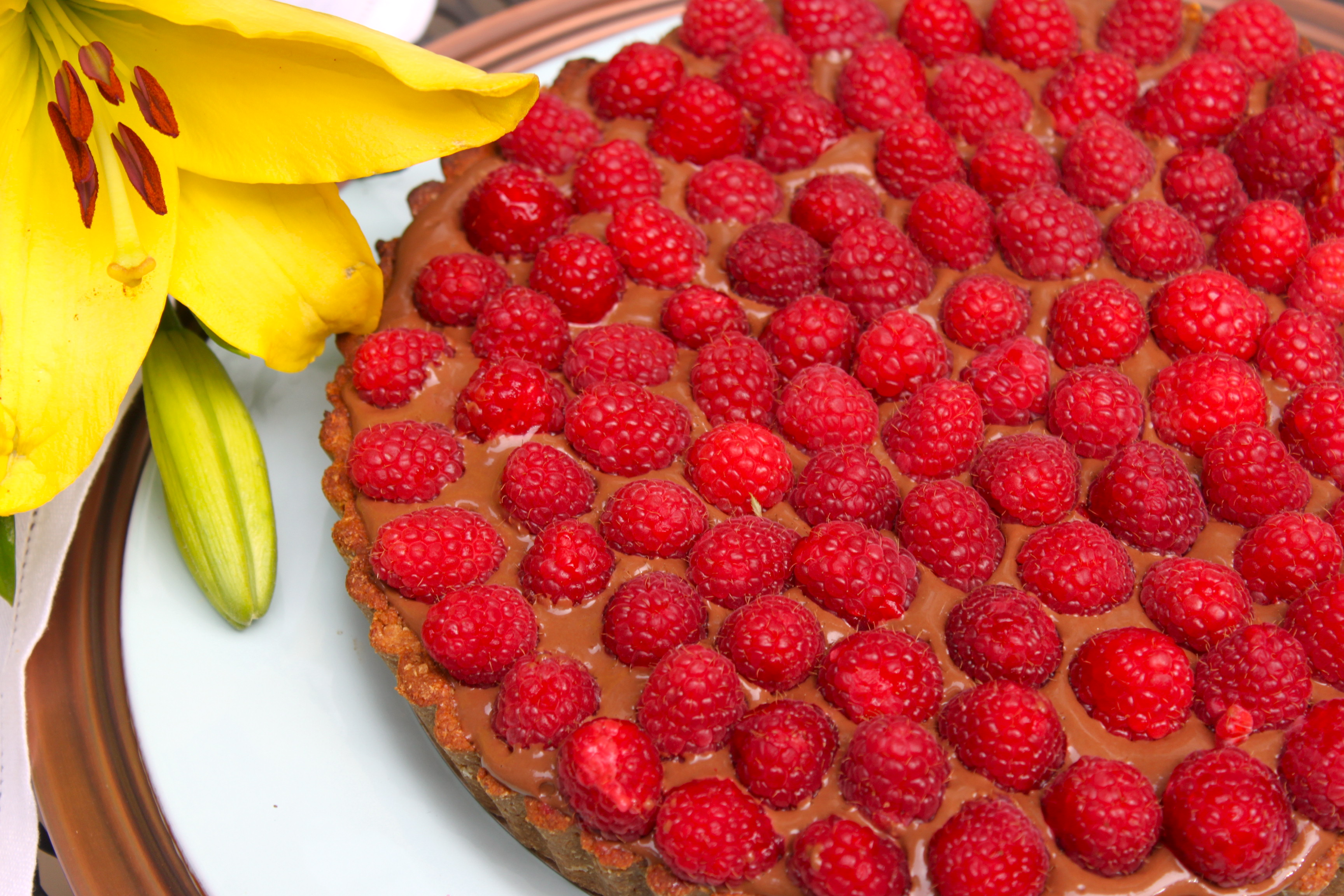 Raspberry Chocolate Pie That's Actually Good For You Recipes ...