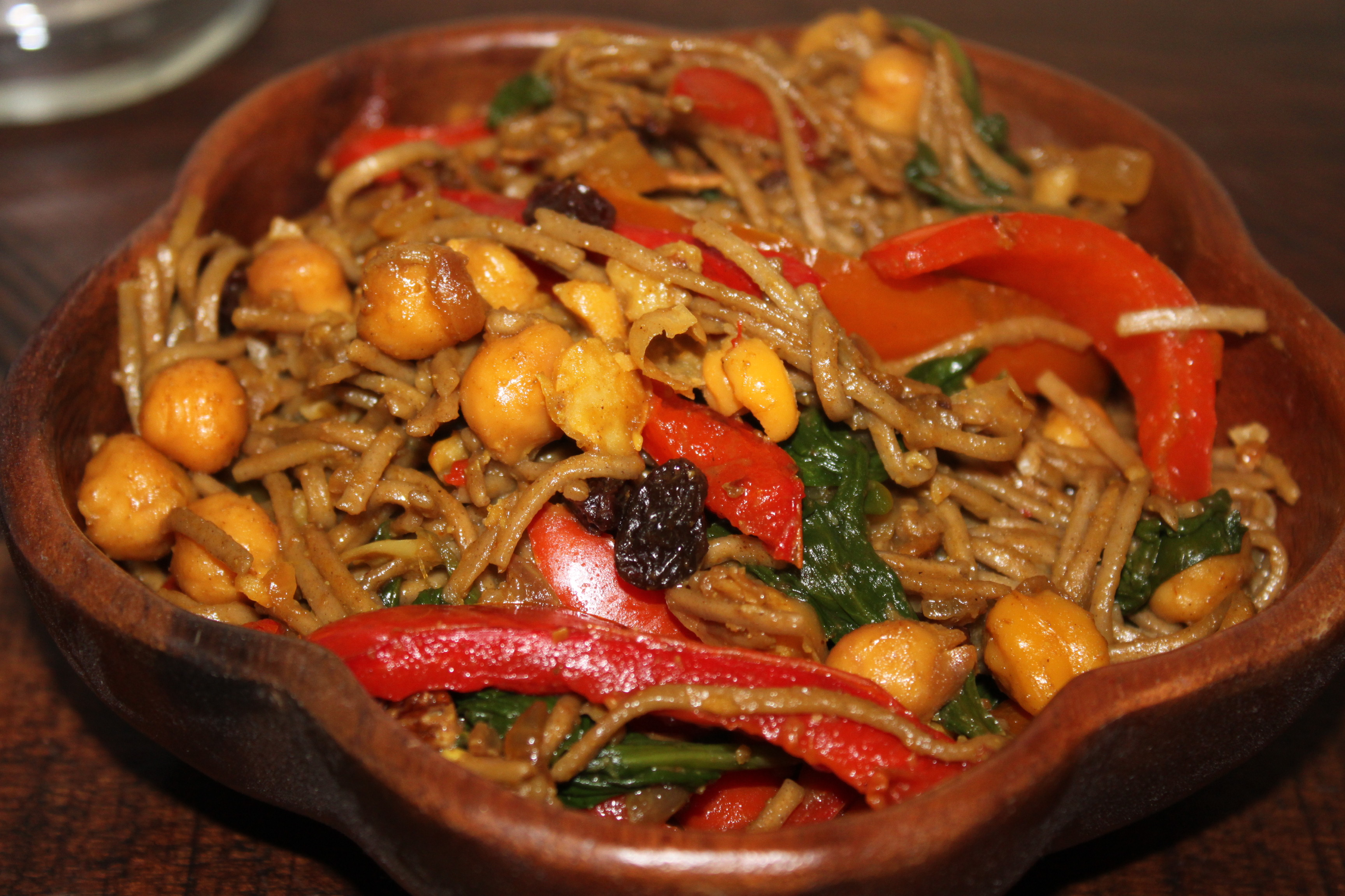 Spicy Soba Noodle Stir Fry with Red Peppers and Fried Chickpeas ...